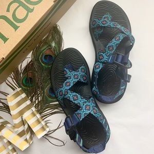 *Near New Chacos - Z/Volv - Teal Diamond Sandals*